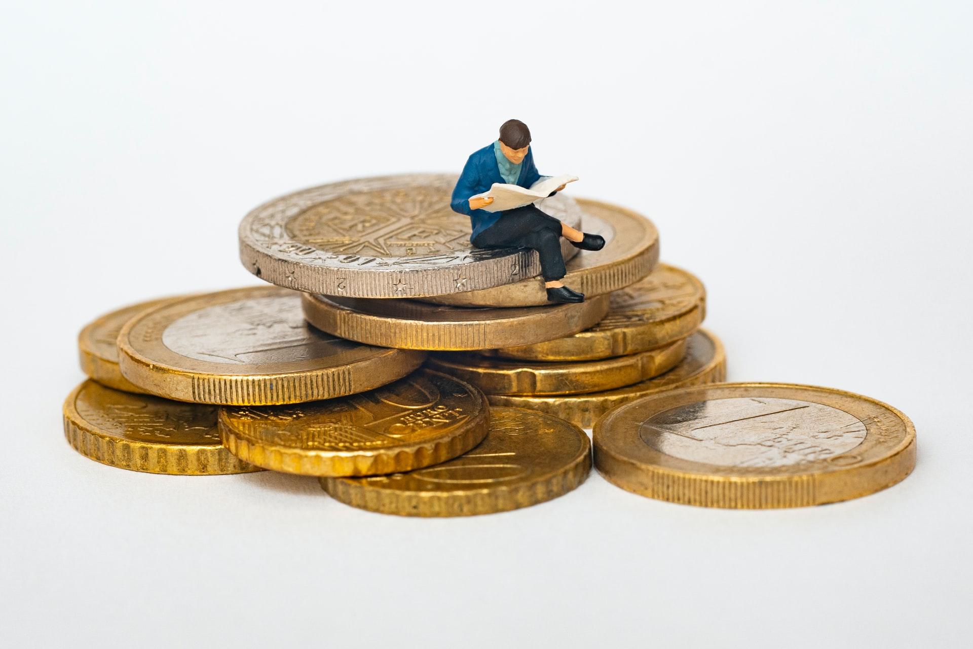 Få bedre styr på økonomien med en billig a-kasse